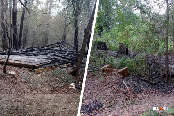 Несколько беседок сгорели во время пожара в парке Маяковского