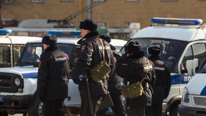В Новосибирске мужчина несколько раз выстрелил в автомобиль такси