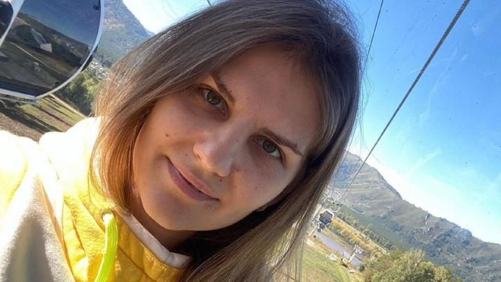 Юлия Гущина, которой омичи собирали деньги на лечение, умерла утром в больнице Санкт-Петербурга