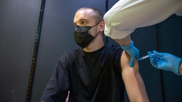 «Как будто меня били все выходные»: что чувствуют люди после прививки «Спутник Лайт»