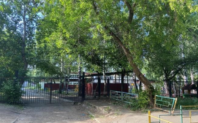 ТСЖ пытается заставить мэрию чистить проезд к детскому саду в Пионерском