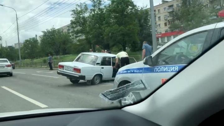 Мужчина погиб, женщина в больнице: серьезное ДТП в Советском районе Волгограда