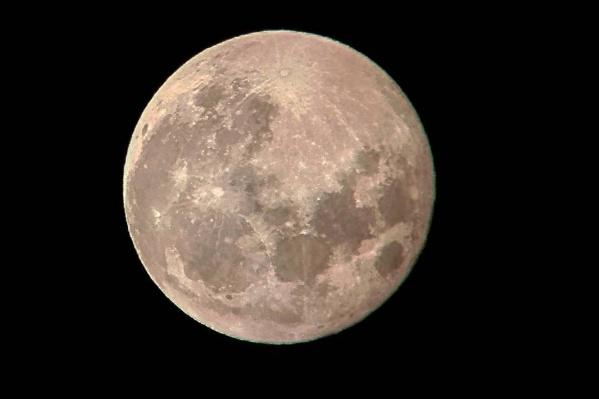 Луна была на 7% крупнее, чем обычно, и на 14% крупнее той, которая будет <nobr>19 ноября</nobr> 2021 года