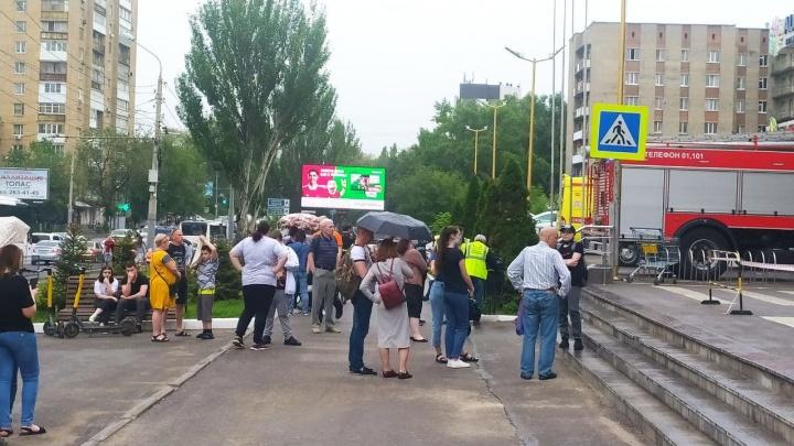 В Ростове эвакуировали ТРЦ «Рио» после угрозы взорвать здание