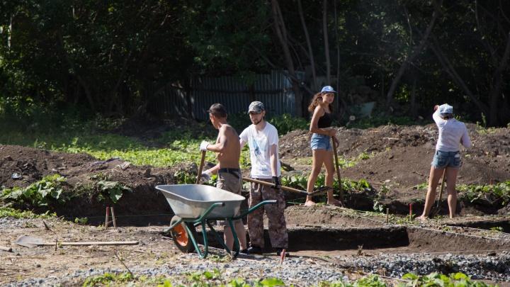 Курганские археологи начали раскопки на месте усадьбы купца Бакинова