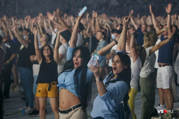 Оперштаб и губернатор заявили о третьей волне коронавируса и разрешили концерт на 30 тысяч человек