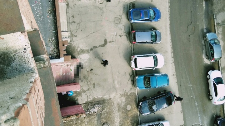 Второй день подряд: с балкона в Ярославле выпал молодой мужчина