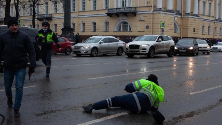 На акции протеста в Санкт-Петербурге уроженец Поморья первым ударил полицейских