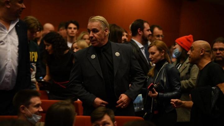 В Екатеринбург на закрытый показ фильма Тимура Бекмамбетова приехал лидер Rammstein Тилль Линдеманн