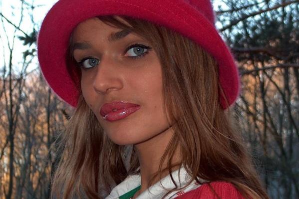 Девушка сначала коротко рассказала о своей юности, а в комментариях разоткровенничалась о жизни в 90-х в Тюмени