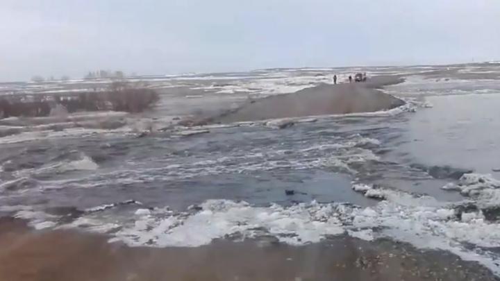 В Челябинской области из-за паводка затопило три трассы