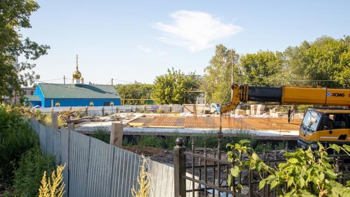 Скандальную стройку РПЦ у Ботанического сада решили законсервировать