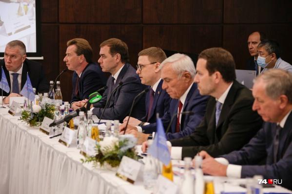 Алексей Текслер похвалил олигархов за работу в коронавирусный год