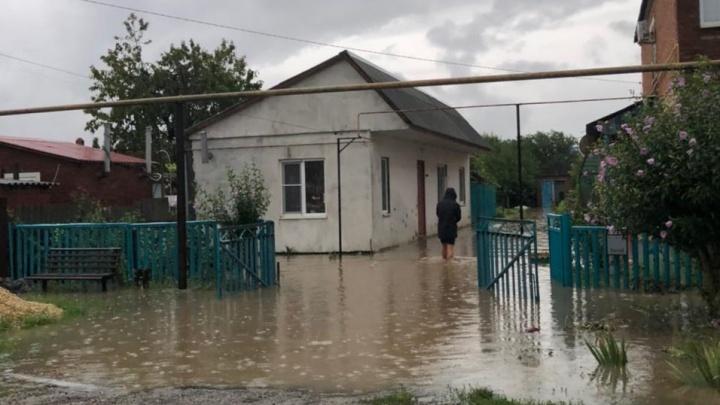 «Ливень, электричество отключили». Екатеринбурженка еле успела добраться до аэропорта затопленной Анапы