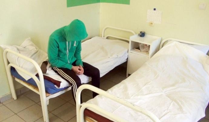 «Ковид не повлиял, люди меньше пить не стали»: начальник охраны больницы — о работе с разным контингентом пациентов
