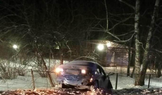 В Ярославской области машина улетела с трассы в кювет. Водитель умер на месте