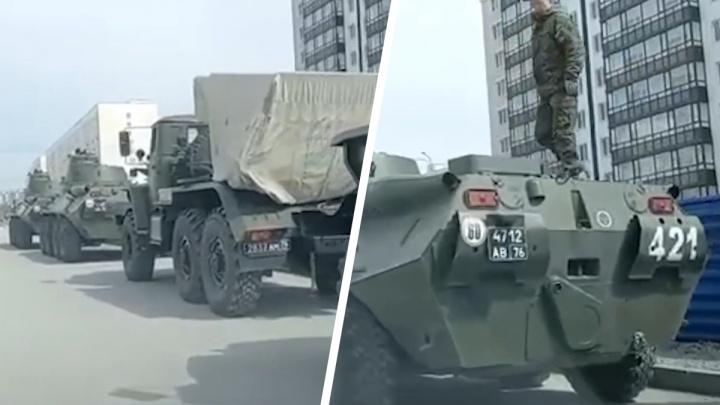По МЖК в Новосибирске проехала колонна с военной техникой