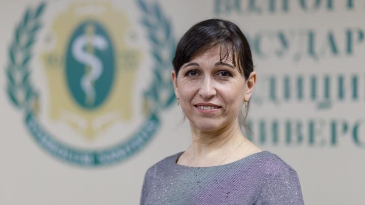 «Сначала слабость и тошнота, потом — кровотечение»: профессор о смертельно опасной лихорадке в Волгограде