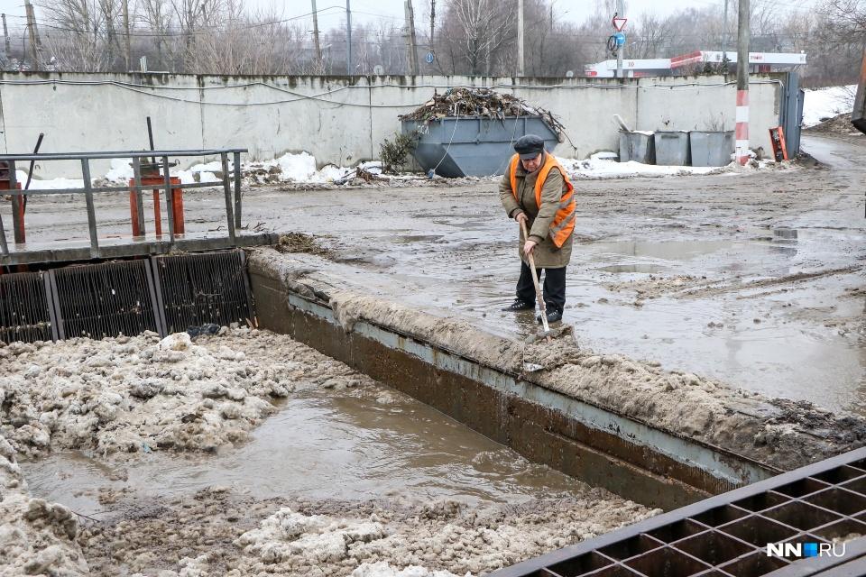 Станция снеготаяния на улице Надежды Сусловой. Производственный процесс сложно назвать современным