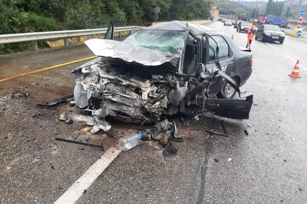 Машина Uber сильно пострадала
