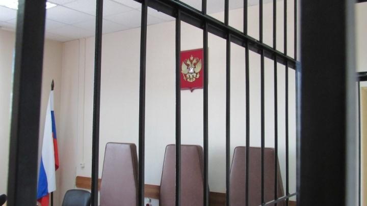 Избили и удерживали в доме: в Зауралье осудили группу людей, похитившую человека