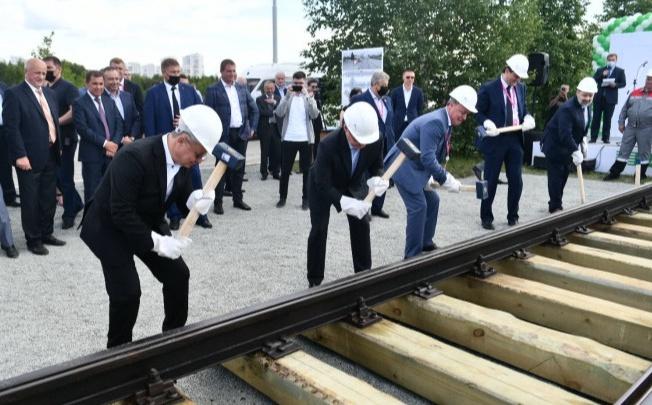 Мини-ветку в Академический, которую торжественно открывали три екатеринбургских мэра, убрали
