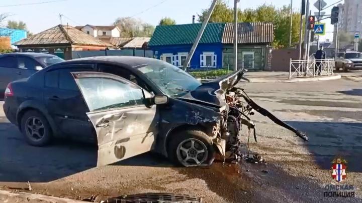 Водителя, из-за которого в центре Омска погибла девушка, отправили в изолятор