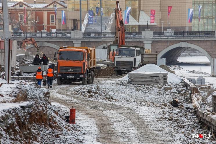 Работы на набережной приостановили в середине декабря