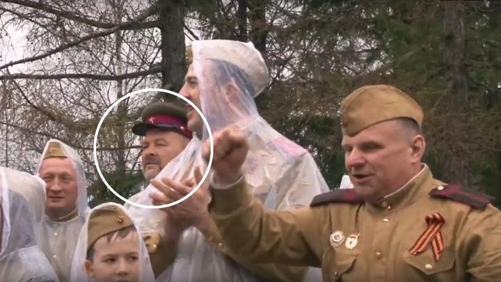 Игорь Орлов в военной форме образца 43 года отпраздновал 9 Мая в Устьянском районе