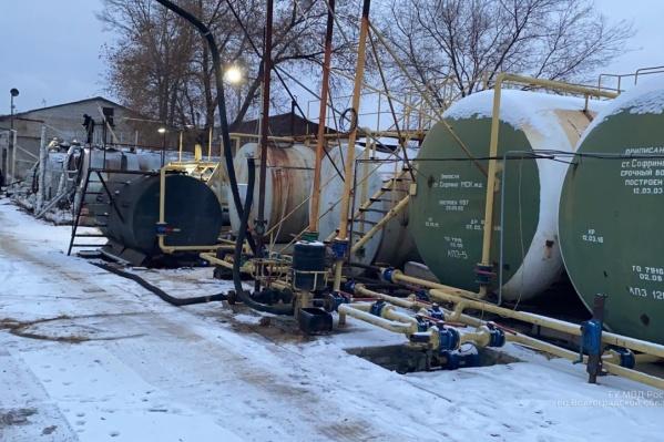 Организаторы нелегального нефтезавода заработали более 50 миллионов рублей