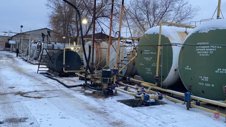 В Волгограде ликвидировали нелегальный нефтезавод