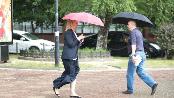 Штормовое предупреждение: дожди в Ростове будут лить до среды