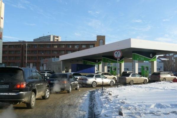 Десять лет назад дефицит бензина начался в восточных регионах России, а потом пошел на запад