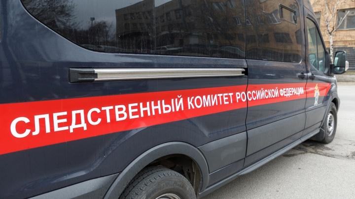 В Волгограде мужчину раздавили старые «Жигули»