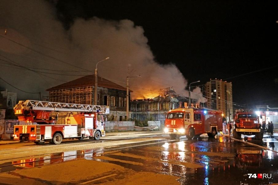 Со временем оно пришло в упадок, а 1,5 года назад огонь и вовсе уничтожил строение