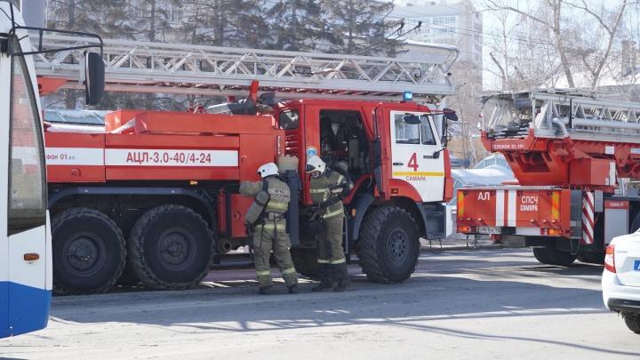 Московское шоссе перекрыли из-за пожара