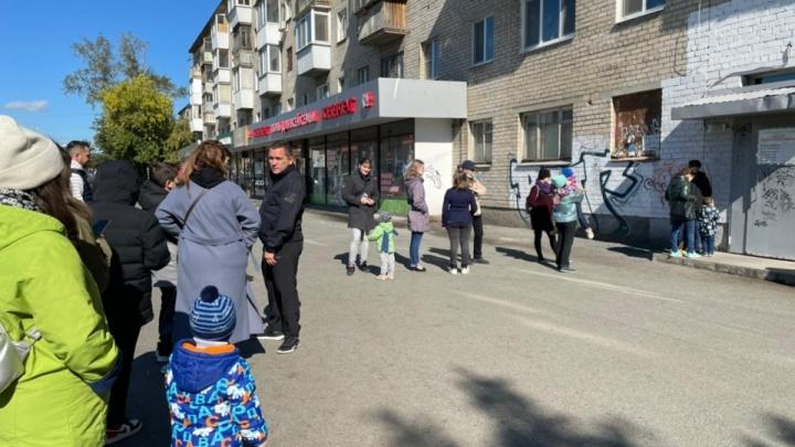 «Все дышат бактериями»: власти объяснили, почему в детской поликлинике Екатеринбурга не работает вентиляция