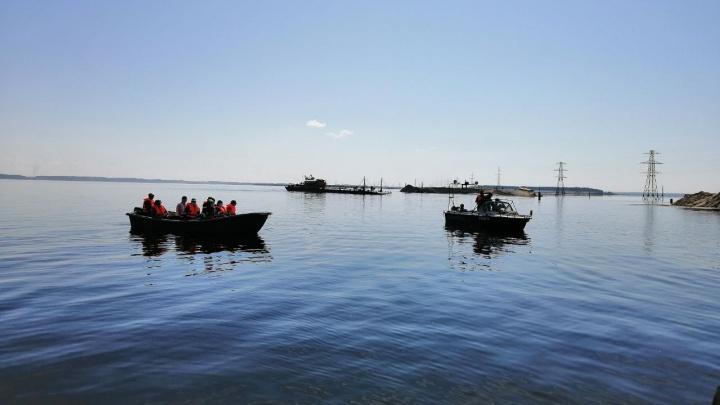 Тюменнефтегаз выпустил в озеро Айтор более 70 тысяч мальков пеляди