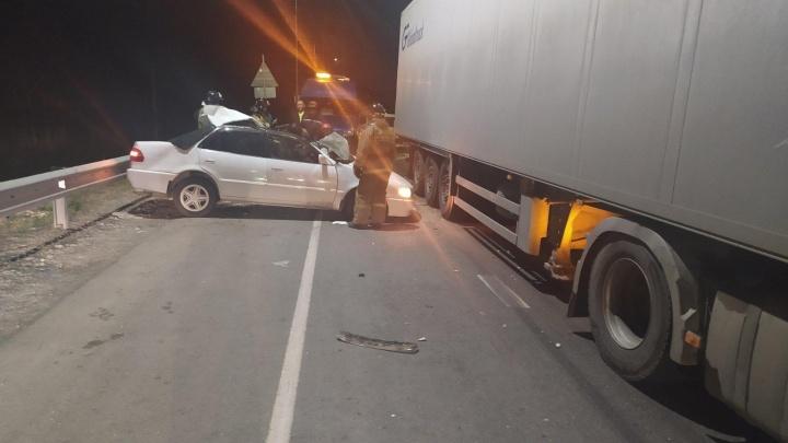 На трассе в Тюменской области пьяный водитель спровоцировал смертельное ДТП