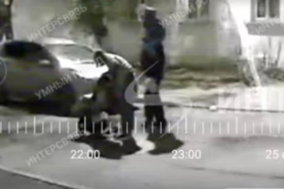 Семью с двумя детьми заподозрили в порче машин на парковке в Челябинске