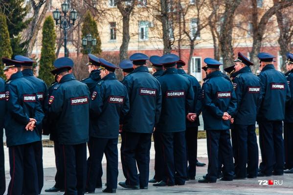 Ранее о некомплекте говорил Леонид Коломиец, главный полицейский Тюменской области