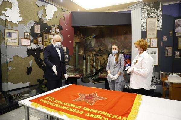 Осенью знамена планируют отправить на реставрацию