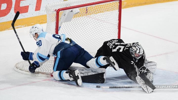«Трактор» в первом матче заключительной домашней серии уступил «Сибири»