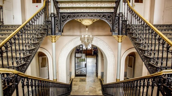 Скрытая красота: как выглядят старинные ажурные лестницы, которые вы могли никогда и не видеть