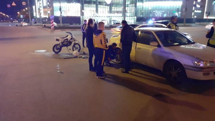 В Центральном районе подросток на мотоцикле пострадал в аварии с «Тойотой»