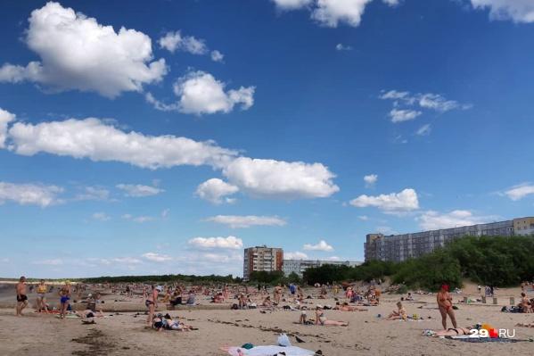 В июньские «российские» выходные на Яграх было очень много людей