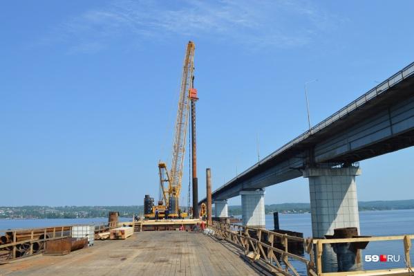 Второй мост строится параллельно первому