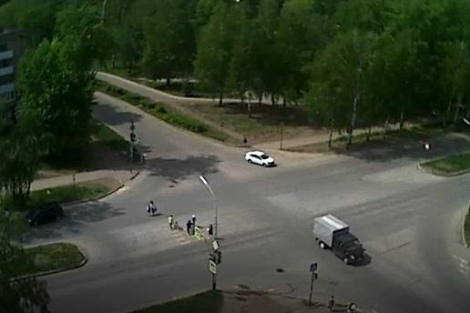 Авария произошла на перекрестке улицы Островского и бульвара Космонавтов. Сейчас трансляция с него ведется на сайте «Уфанет»