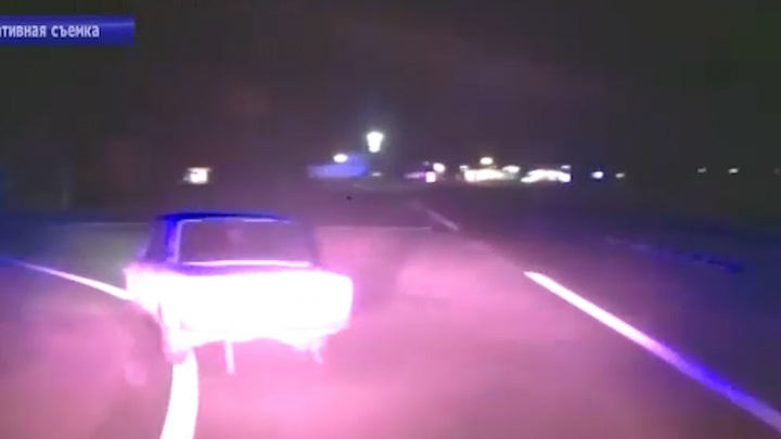 Летел по встречной, показывал средний палец: в Саратовской области полиция со стрельбой задержала пьяного волгоградца