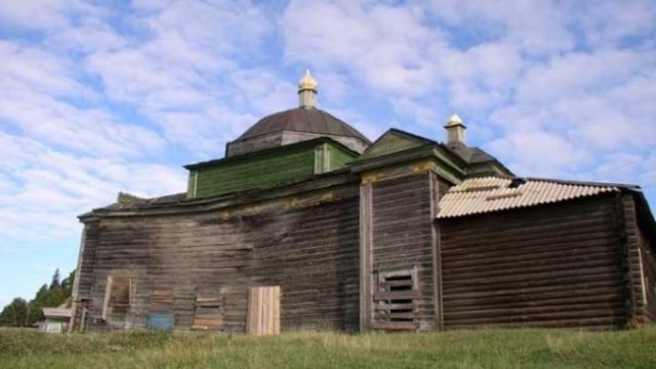 В Югре по фотографиям восстановят храм XVIIIвека. Он сгорел 10лет назад